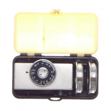Cased Kodak universal hot shoe camera rangefinder with lenses